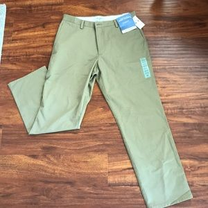 Dockers NWT straight fit khaki dress pants